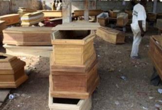 Un vendeur de cercueils prie Dieu pour son business…Voici ce qui lui arrive après