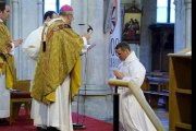 Une ancienne star de Manchester United devient diacre catholique: PHOTOS