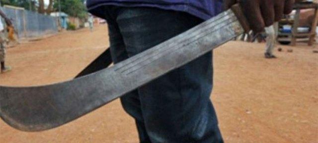 Côte d'Ivoire - Biankouma : Il taillade à la machette une femme en couple, qui refuse de coucher avec lui