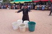 Un pasteur transforme de l'eau froide en eau chaude