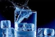 Pourquoi vous ne devriez jamais boire de l'eau glacée