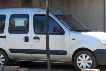 A vendre: Renault Kangoo année 2002, prix  2 300 000FCFACFA