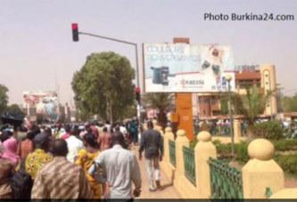Burkina: marche en soutien aux enseignants menacés par des terroristes