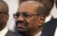 Le président soudanais Omar el-Béchir défie la CPI en se rendant en Russie en août