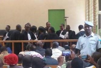 Procès de la haute cour de justice : L'effet sismique de la saillie des avocats de la défense .