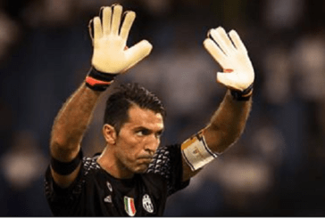 À 39 ans, Buffon est au top de sa forme… et fume