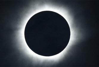 Les Etats-Unis se préparent à une éclipse solaire totale et historique