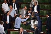 Blanchir les corrompus: Le Parlement tunisien adopte une loi controversée
