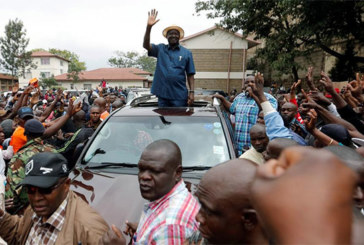 Présidentielle au Kenya: Raila Odinga conditionne sa participation au scrutin
