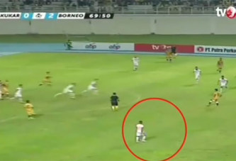 Terens Puhiri, le joueur de foot le plus rapide du monde (vidéo)
