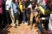 Ziniaré : des élèves déposentdes feuilles vierges au gouvernorat