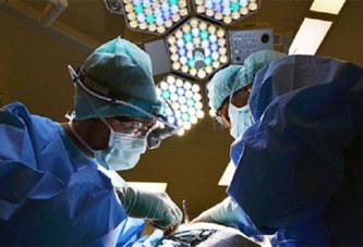 Une révolution médicale: la première greffe de tête humaine couronnée de succès