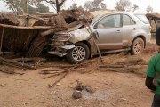 Gaoua - Batié : un des véhicules du cortège du ministrede la santé tu un enfant par accident, les populations en colère