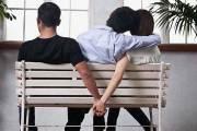 Couple: 5 techniques cachées qu'utilisent les infidèles pour communiquer avec leurs amant(e)s