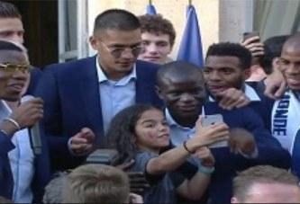 Quand N'Golo Kanté, champion du monde, hèle un taxi comme un simple Parisien
