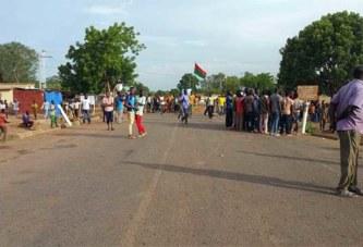 Saponé : des habitants de nouveau dans les rues