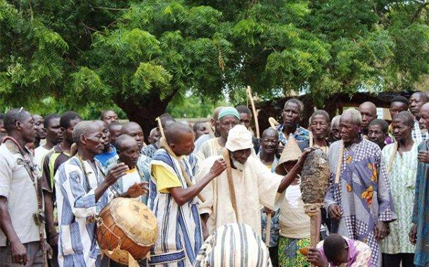MANEGA - Intronisation d'un Tengsoba ou Chef de terre:Quand la mort côtoie la vie