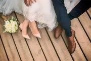 Huit personnes seulement répondent à son invitation: la mariée pète un plomb
