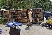 TOUR DU CAMEROUN: le bus du Burkina fait un tonneau, 17 blessés