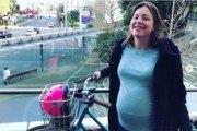 Insolite : une ministre se rend à l'hôpital à vélo pour accoucher !