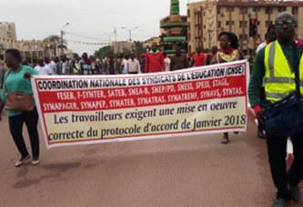 Journée mondiale de l'enseignant : Plus d'un millier d'éducateurs se font entendre à Ouaga