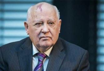 Russie: Gorbatchev met en garde les Américains contre la sortie du traité INF