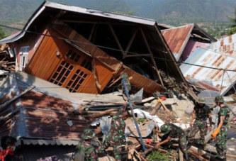 Plus de 1.400 morts dans le séisme en Indonésie