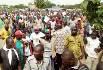 """Grève du 29 novembre 2018 : """"Je suis favorable à cette grève car nous sommes déjà dans une situation de pauvreté et on nous demande encore de serrer la ceinture"""", Issouf Ouattara"""