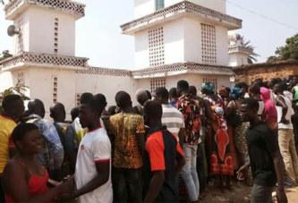 Gaoua: 05 personnes machettées par un individu à la grande mosquée