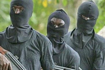 Nigeria: Des hommes armés attaquent un commissariat tuent des policiers et libèrent des prisonniers