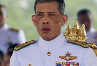 Thaïlande : Le roi limoge un membre de son personnel pour adultère