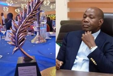 Forum des bâtisseurs de l'économie africaine:Le PDG de CIM METAL group, Inoussa Kanazoé, reçoit le Grand prix du Self made man