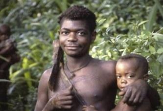 Voici pourquoi les pygmées Aka d'Afrique centrale ont les « meilleurs pères du monde »