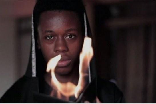 La magie existe: Suivez ce jeune magicien nigérian de 19 ans (Vidéo)