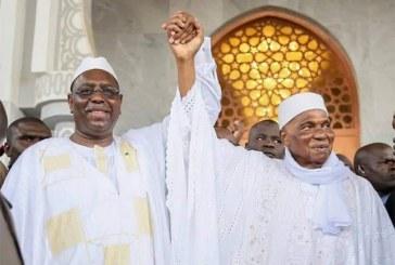 Sénégal: Main dans la main, Macky Sall etAbdoulaye Waderéconcilies