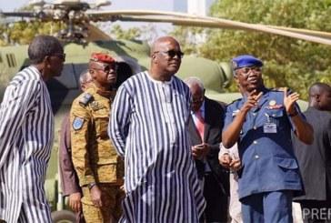 Défense: Le président du Faso à la base aérienne 511