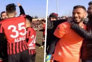 Turquie/Football: scène surréaliste, l'arbitre fait tirer trois fois un penalty et expulse le gardien-(Vidéo)