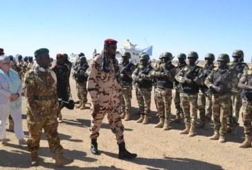 Les ministres de la Défense tchadien et malien à Tessalit