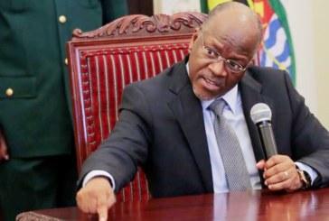 Le président de la Tanzanie fait tester une papaye; elle est déclarée positive à la COVID-19