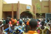 Banfora: Des manifestants exigent la libération du chef de terre de Siniéna