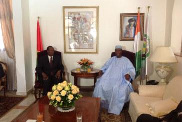 Blaise Compaoré à Abidjan, six heures de chaudes retrouvailles avec Ouattara