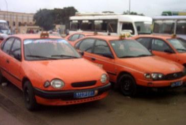 Le mauvais taximan livre son client à son gang