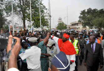 Eglise-Famille du Burkina:   Un accueil triomphal pour le cardinal Philippe
