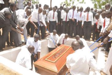 Eglise des Assemblées de Dieu:  Le pasteur Pawentaoré Jean Ouédraogo repose au cimetière de Gounghin