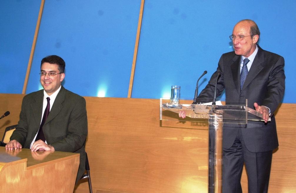 Ο στενός συνεργάτης του Μητσοτάκη, Θεοδωρικάκος, είναι ακόμα συνέταιρος / υπάλληλος του κυρίου Καλογρίτσα; #mitsotakis