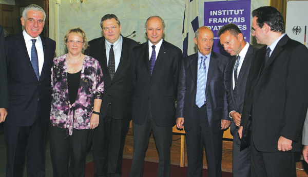 #DeutscheBank : Μία εγκληματική οργάνωση με Στουρνάρες στα θεμέλια της ΕΕ