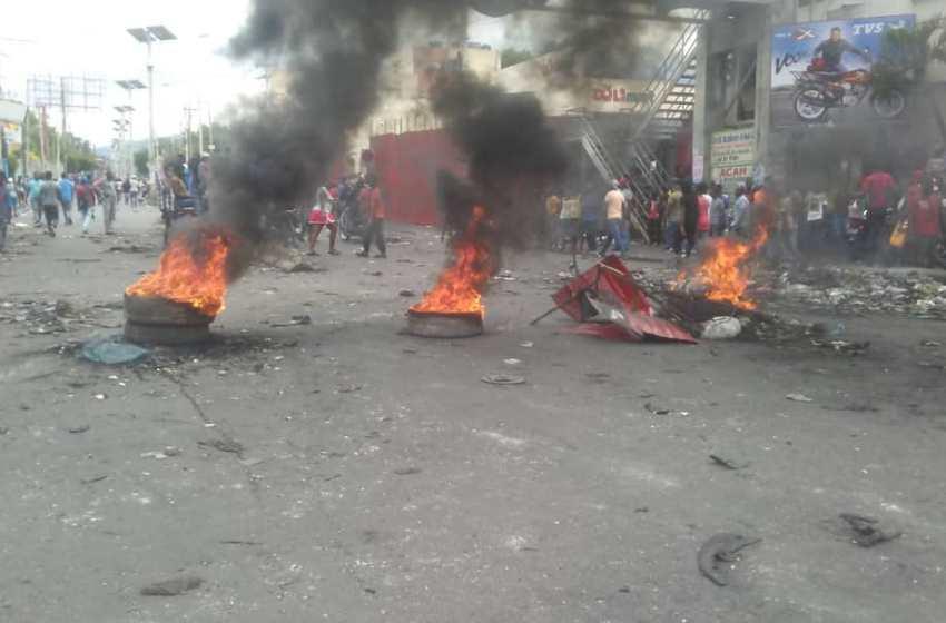 Nouvelle journée de tension en Haïti, dans la capitale, les protestataires exigent la démission de Jovenel Moïse
