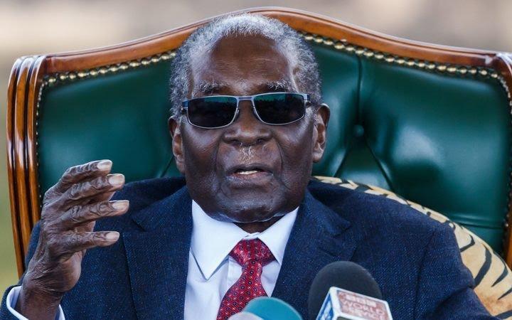 L'ex-président du Zimbabwe, Robert Mugabe s'envole pour un voyage éternel.