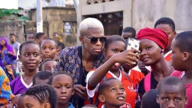 Photo of Haïti-Culture: ROMEOMANIA, un ancien coéquipier de Wendy Traka cartonne en Afrique