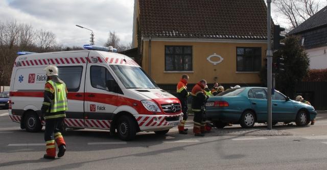 Tre biler var onsdag eftermiddag impliceret i et færdselsuheld i Holbæk. Foto: Rolf Larsen.